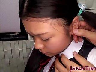 Hellacious Japanese baffle fucks young girl's mouth